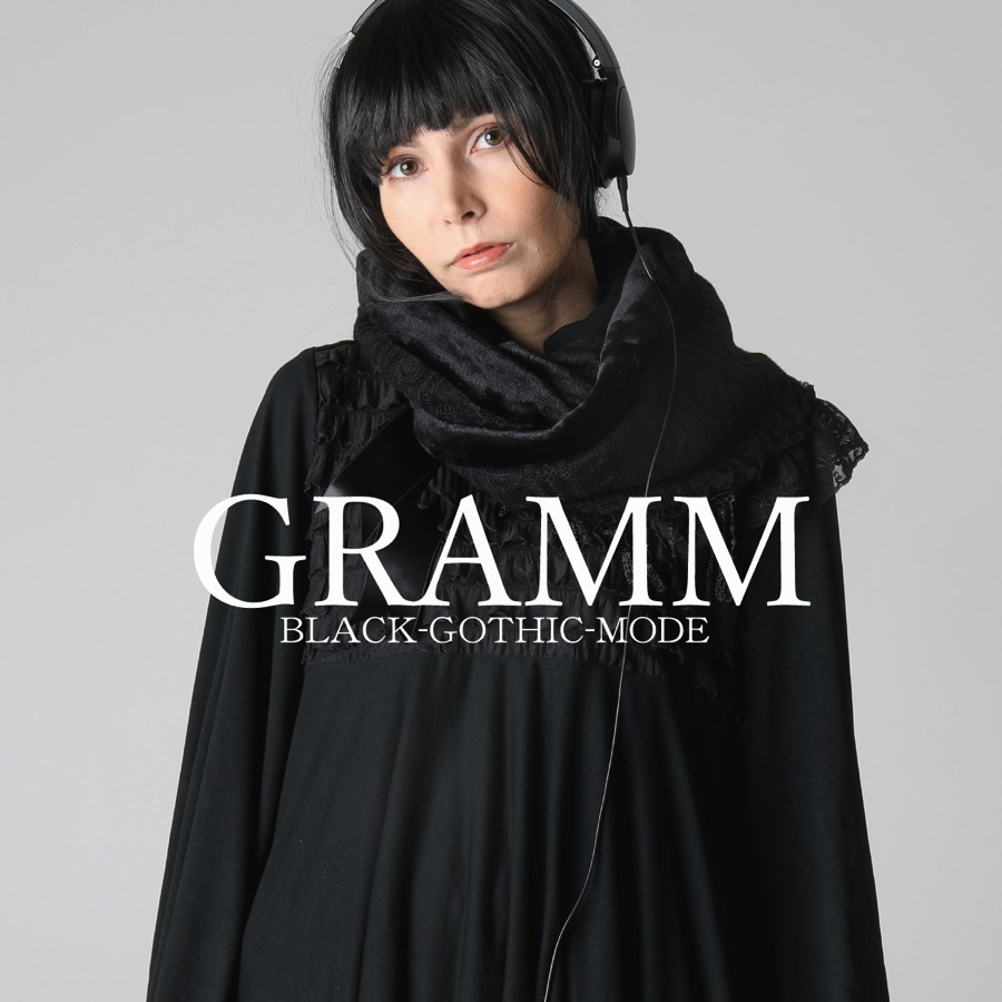 1108 GRAMM BLACK-GOTHIC-MODE COLLECTION