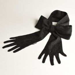 Laced Hand Bow